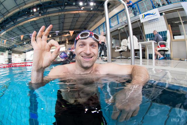 Robert Tašič je s časom 5min 54s zasedel tretje mesto v statični apnei