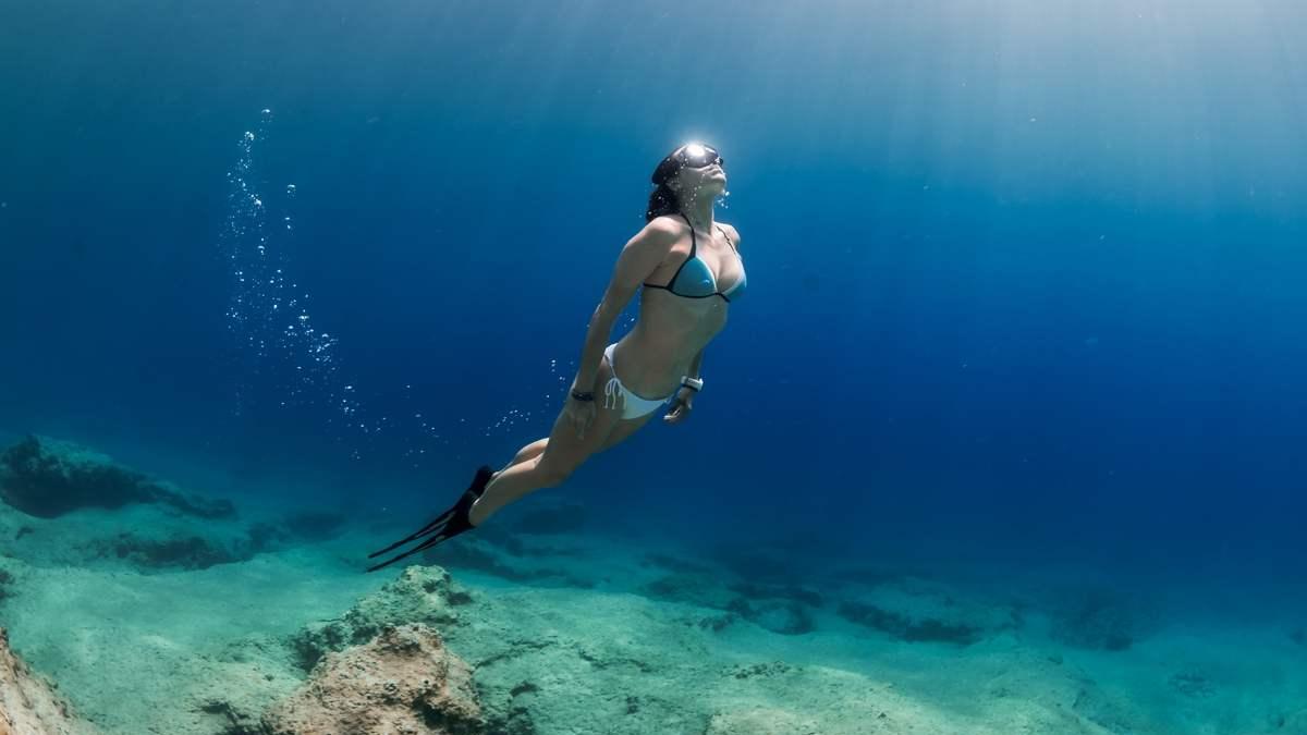 Alenka Artnik underwater