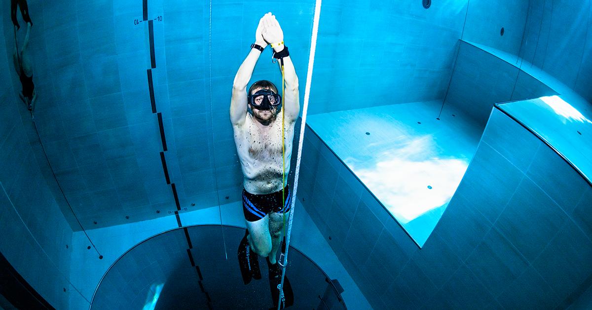 Potapljanje na vdih v najglobljem bazenu na svetu