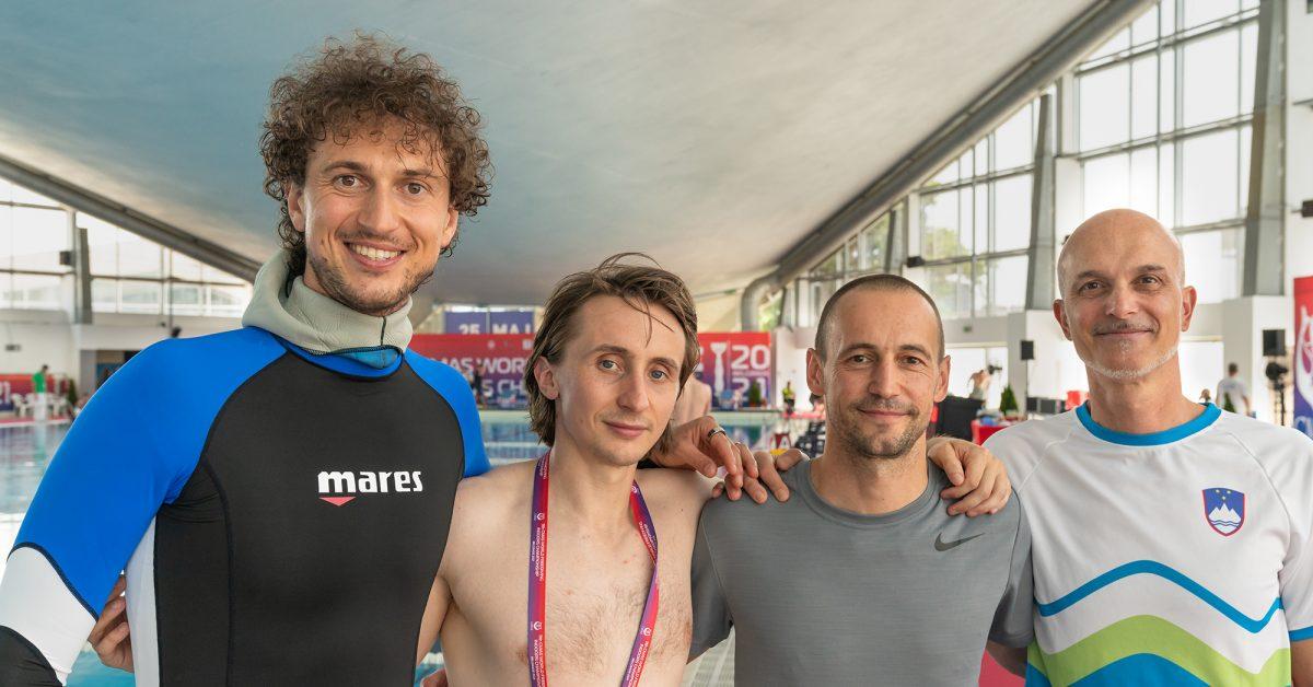 slovenska ekipa na prvenstvu v potapljanju na vdih